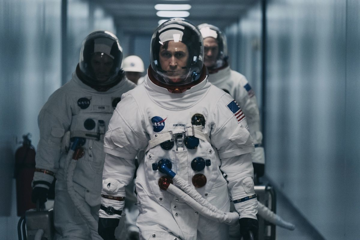Neil Armstrong (Ryan Gosling)  boards the Apollo 11 for takeoff.