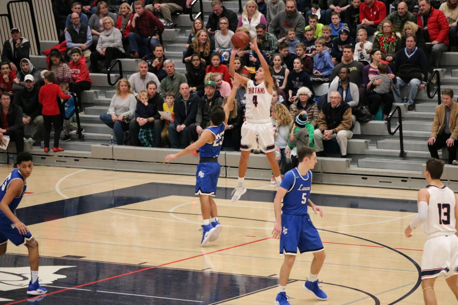 East%27s+Hayden+Doyle+%2810%29+goes+for+a+three-pointer